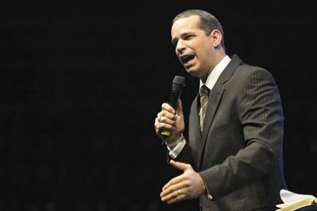 Pastor Laudjair Guerra